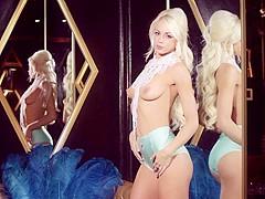 nackt Crawford Chloe Playboy Plus