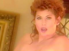Lisa Comshaw  nackt