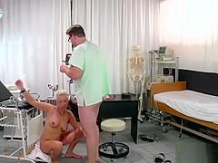 Frauenarzt sex Frauenarzt, Doctor
