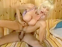Dolly buster piss